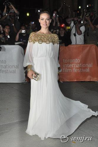 Оливия уайлд белое платье