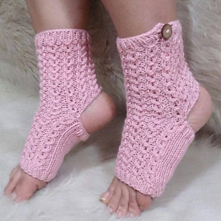 1000+ ideas about Toeless Socks on Pinterest Yoga Socks, Flip Flop Socks an...