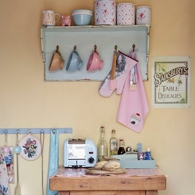charming kitchen space #vintage #shabby #country