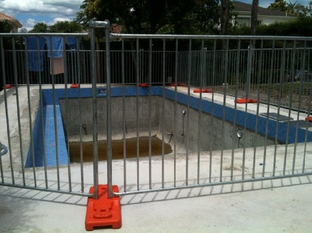 Our temporary pool fence is specifically designed to prevent children from accessing a pool or spa when filled with water. Itcomplies with Australian Standard A.S. 1926.1-2007 – Swimming Pool Safety – Safety Barriers for Swimming Pools. http://www.chinaimportedfencing.com/
