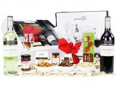 Where to Buy Christmas Hampers in Australia Get the latest update about the Australian Gourmet Gifts. Know about the best place to buy christmas gifts in Australia.