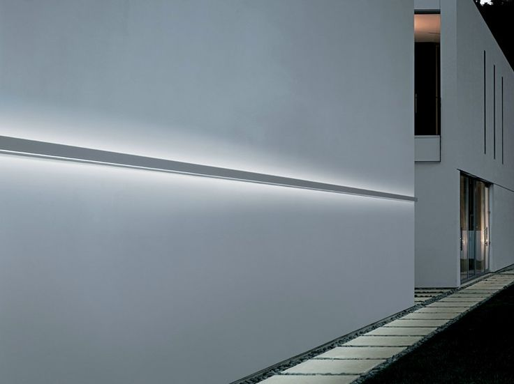 Built-in outdoor LED light bar FYLO OUTDOOR by Linea Light Group