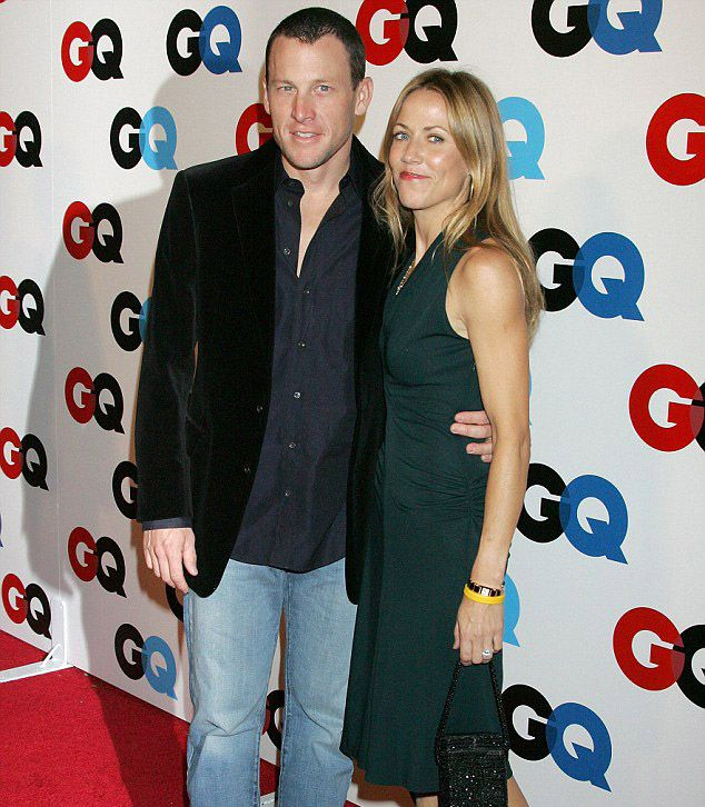 Sheryl Crow kissing compilation @ http://www.wikilove.com