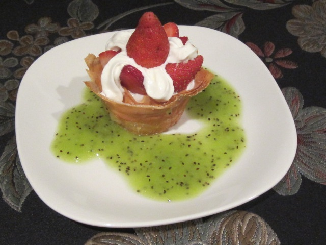 MA in the Kitchen: A Crunchy, Creamy Strawberry Dessert with Kiwi Coulis