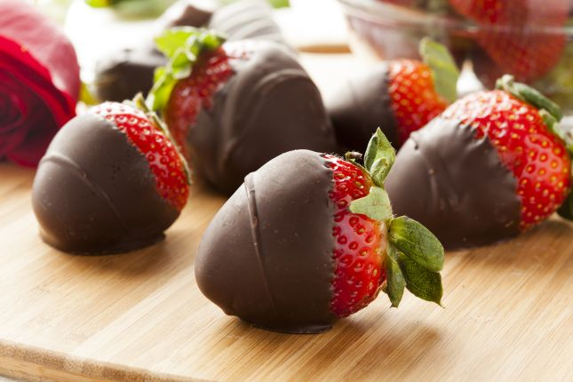 Strawberry kiss >>> visit the website for more delicious chocolate uses