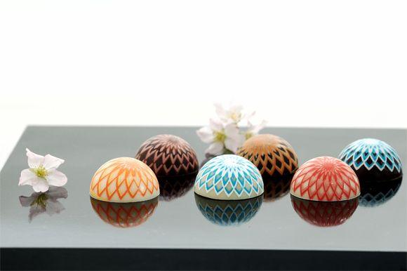 Cute and artistic Japanese style chocolates. Temari (traditional Japanese handball) by Saganoaya