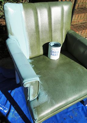 Painting vinyl with chalk paint...and no cracking! Find old chair at thrift for LR and kid friendly wipeable!