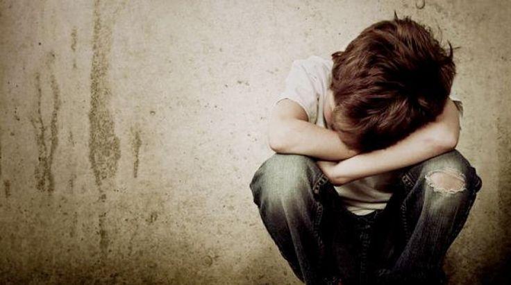 Tiga Siku - Saat sedang merasa tidak bersemangat untuk beribadah atau banyak melakukan hal-hal yang tidak penting, sia-sia, bahkan merugikan, kita mungkin sedang mengalami iman yang turun. Perkara iman memang bukan hal mudah apalagi bagi manusia yang sudah dari