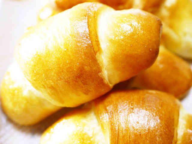 卵と牛乳♪簡単成形☆朝食ランチロールパンの画像