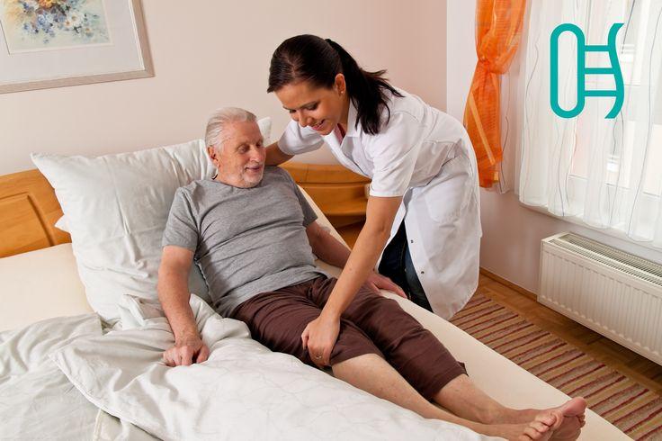 Necesidades de pacientes en cama La cama debe de hacerse al menos una vez al día y estirar las sábanas todo lo que podamos para evitar así las arrugas que pueden llegar a producir heridas