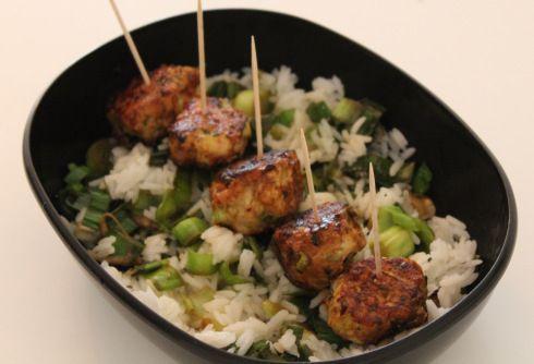 tsukune poulet poireaux, boulettes au poulet et poireaux / chicken and leeks meatballs