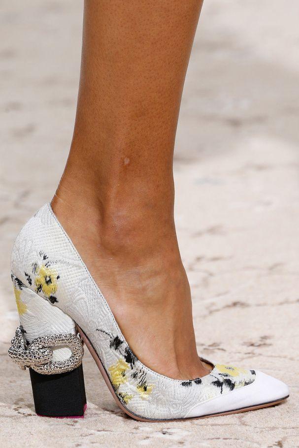 Les chaussures printemps-été 2015 de Giambattista Valli