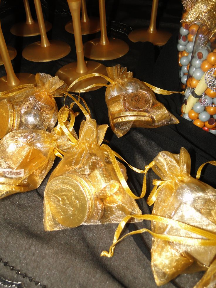 Gotta have gold for the girls arabian nights party for Arabian party decoration ideas