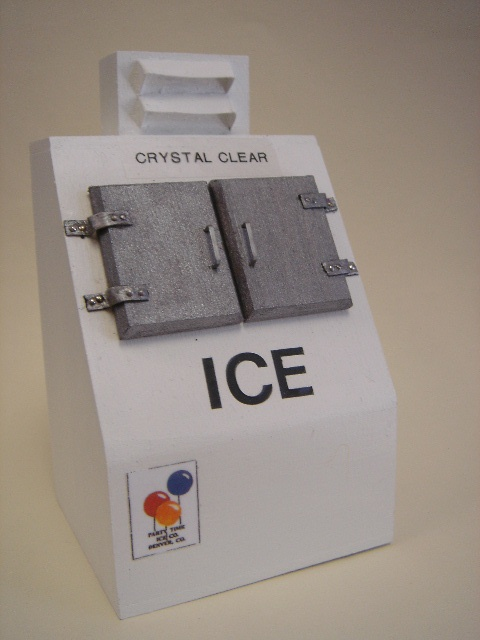 Miniature Ice Machine--- No need for this but it's so cute