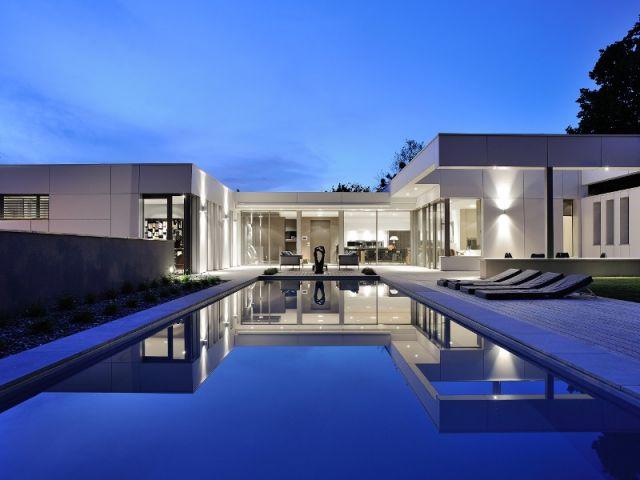 Une maison en U où la symétrie est reine par l'architecte Laurent Guillaud-Lozanne - France