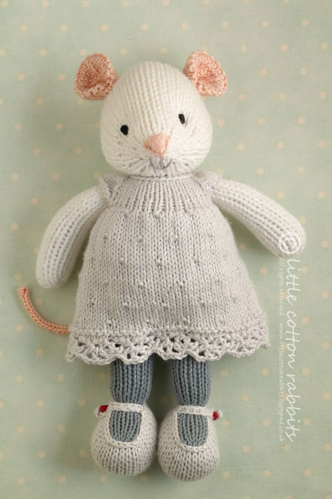 https://flic.kr/s/aHsjCEoR6c | knitted mice