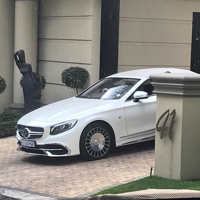 #TopSpot this week is the land yacht also known as the Mercedes-Maybach S650 Cabriolet spotted in Johannesburg by @blake.friedmann   #ExoticSpotSA #Zero2Turbo #SouthAfrica #MercedesMaybach #S650 #Cabriolet #Maybach