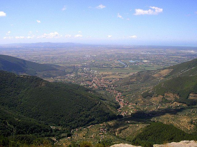 Calci vista dai Monti Pisani - Calci as seen from the Pisan Mountains (by Marco Conti)