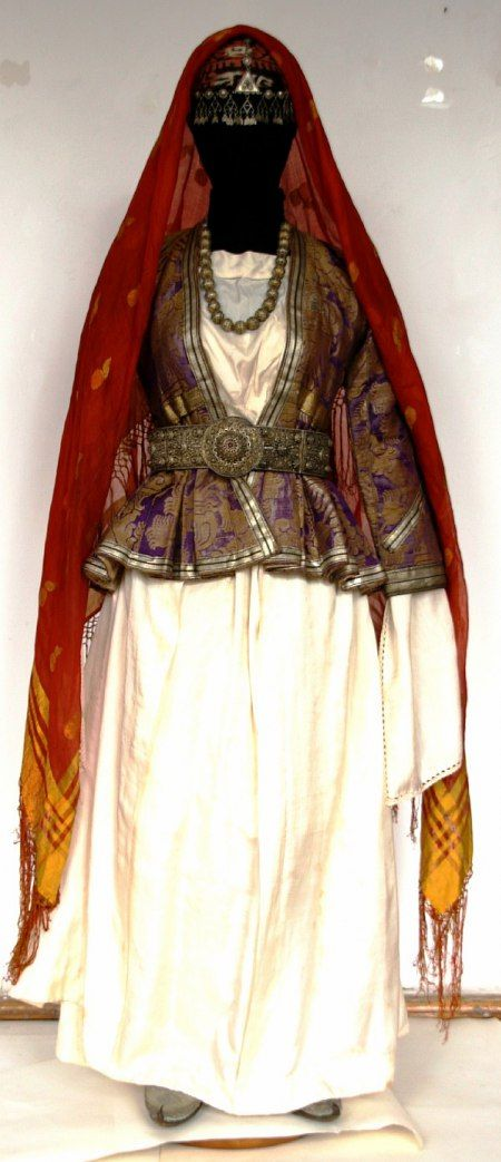 Costume from Dagestan    Татка (Tats woman, Southern Dagestan)
