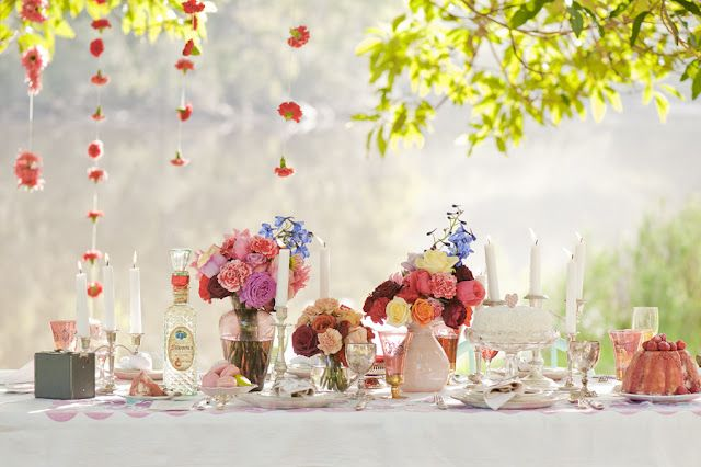 strawberry roses: Sydney Photography, Photography Sydney, Tables Sets, Vintage Wedding Tables 2 Jpg, Wedding Ideas, Gardens Parties, Wedding Tables Decor, Parties Time, Flowers Decor