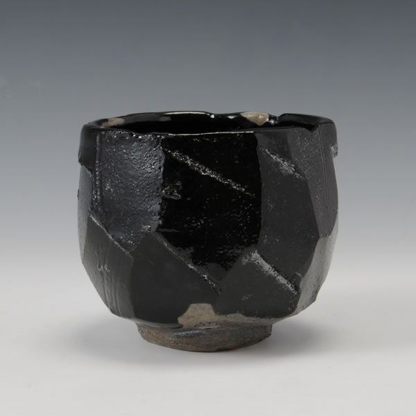 HAGIKURO CHAWAN (Hagi Black Tea Bowl)