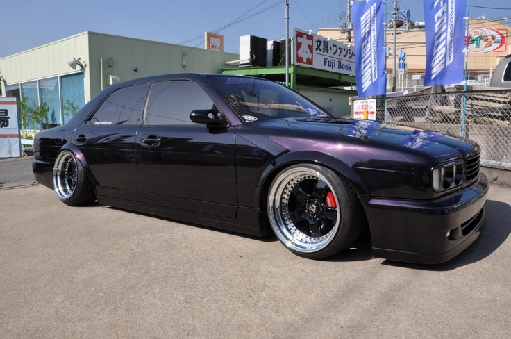 Check out this beautiful and extreme VIP tuned Nissan Gloria in Japan! This is my dream car of all time