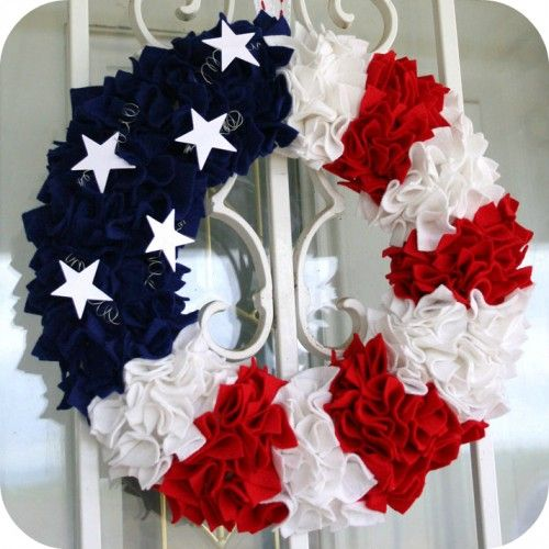 WREATHS TUTORIALS..now to make the time!!Holiday, Fourth Of July, July Wreaths, Patriots Wreaths, Front Doors, 4Th Of July, July 4Th, Patriotic Wreath, Crafts
