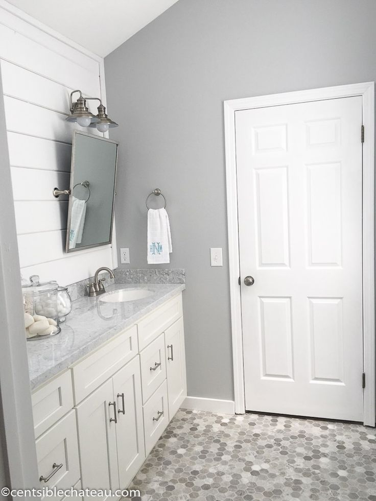 1000 ideas about gray bathroom walls on 18551