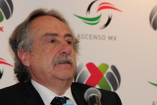 Grupo Pachuca deberá vender a Tuzos o LeónLos hermanos López Chargoy se deberán deshacer de Puebla o San Luis http://msn.mediotiempo.com/futbol/mexico/noticias/2013/05/20/eliminaran-multipropiedad-en-cinco-anos