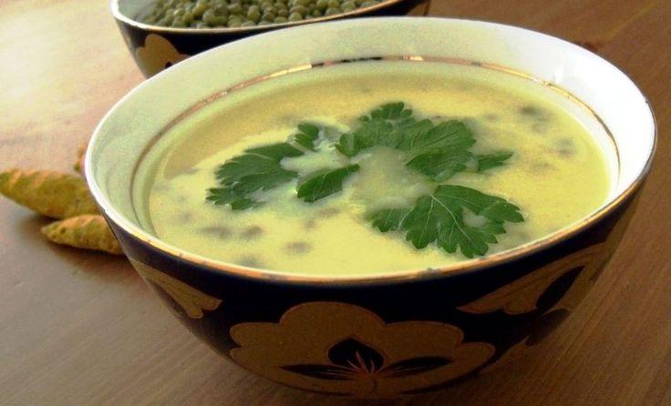 Maş Çorbas - Antep' de çok meşhur bir çorbadır.    Hemen hemen herkesin çok sevdiği özel bir çorbadır. Maş fasulyesinden yapılıyor. Maş fasulyesinin hücre yenileyici özelliği vardır. Aynı zamanda besleyici ve doyurucu bir çorba. Eskiden yalnızca yemek yerine bu çorbayı …