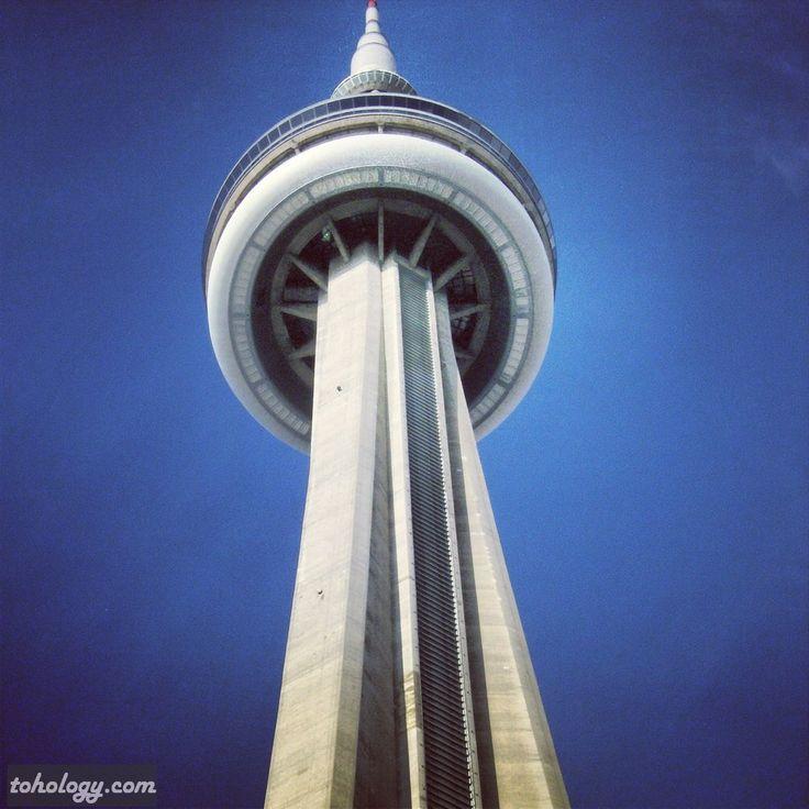 CN Tower (Toronto, Canada)