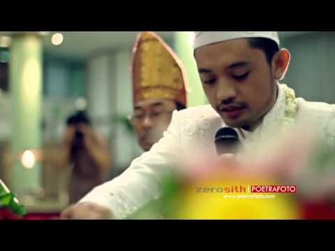 The Wedding Video Clip Cinematic Pernikahan dengan Baju Busana Pengantin Adat Batak Mandailing Tapanuli Selatan Indonesia | Perkawinan Wisha & Teguh | Wedding Shoots by Poetrafoto Photography & Zerosith Picture, Indonesia Wedding Photographer & Videographer based in Yogyakarta.  For further info, please log on to: our website at http://poetrafoto.com