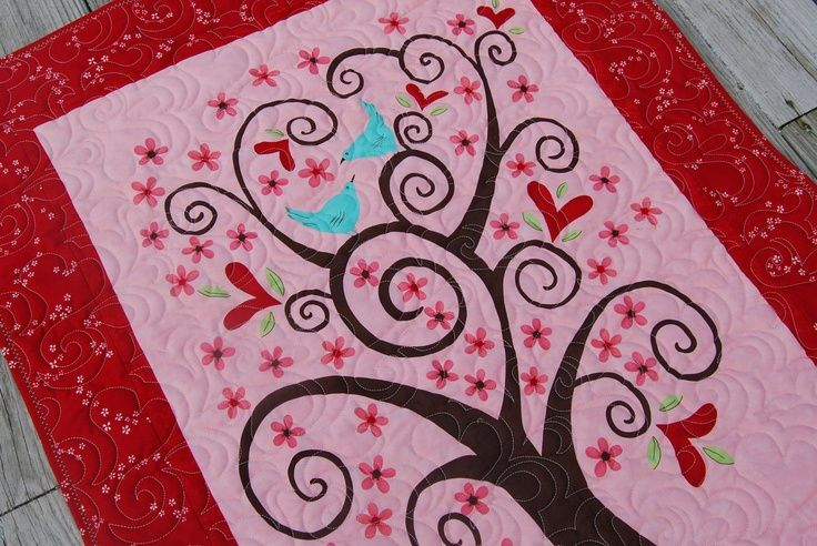 Valentine quilted Wall Hanging. Seasonal wall hangings Pinterest Trees, Valentines and ...
