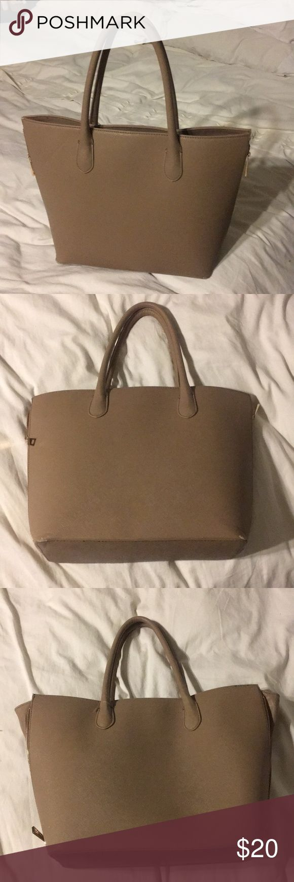 "Beige h & m purse Faux leather  Used maybe 5 times Zippers on side go up and down for expansion Great purse for traveling 12"" by 15"" H&M Bags Shoulder Bags"