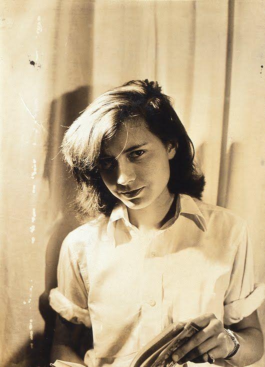 Patricia Highsmith, 1942