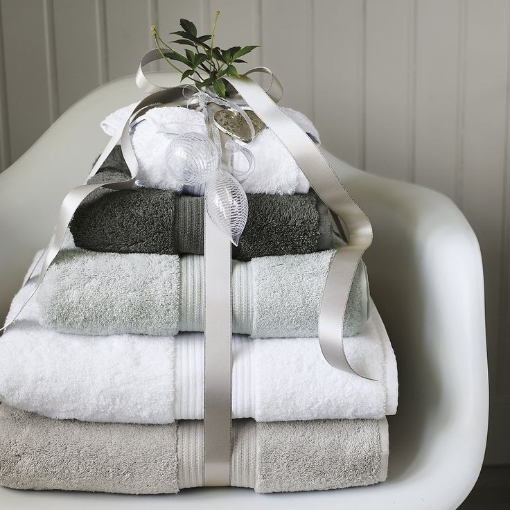 White Egyptian Cotton Towels - Towels | The White Company. Shopping from the US? -> http://us.thewhitecompany.com/Home-%26-Bath/Towels/Egyptian-Cotton-Towels/p/EC%20Towels%20Collection?swatch=White