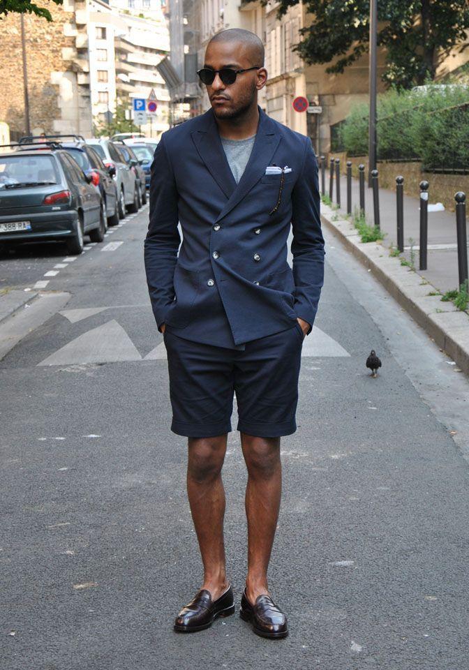 ネイビージャケット,ショートパンツ,グレーTシャツ,ブラウンローファー,メンズファッション着こなしコーデ夏
