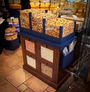 Verrijdbare notenbar voor een kaas en noten winkel