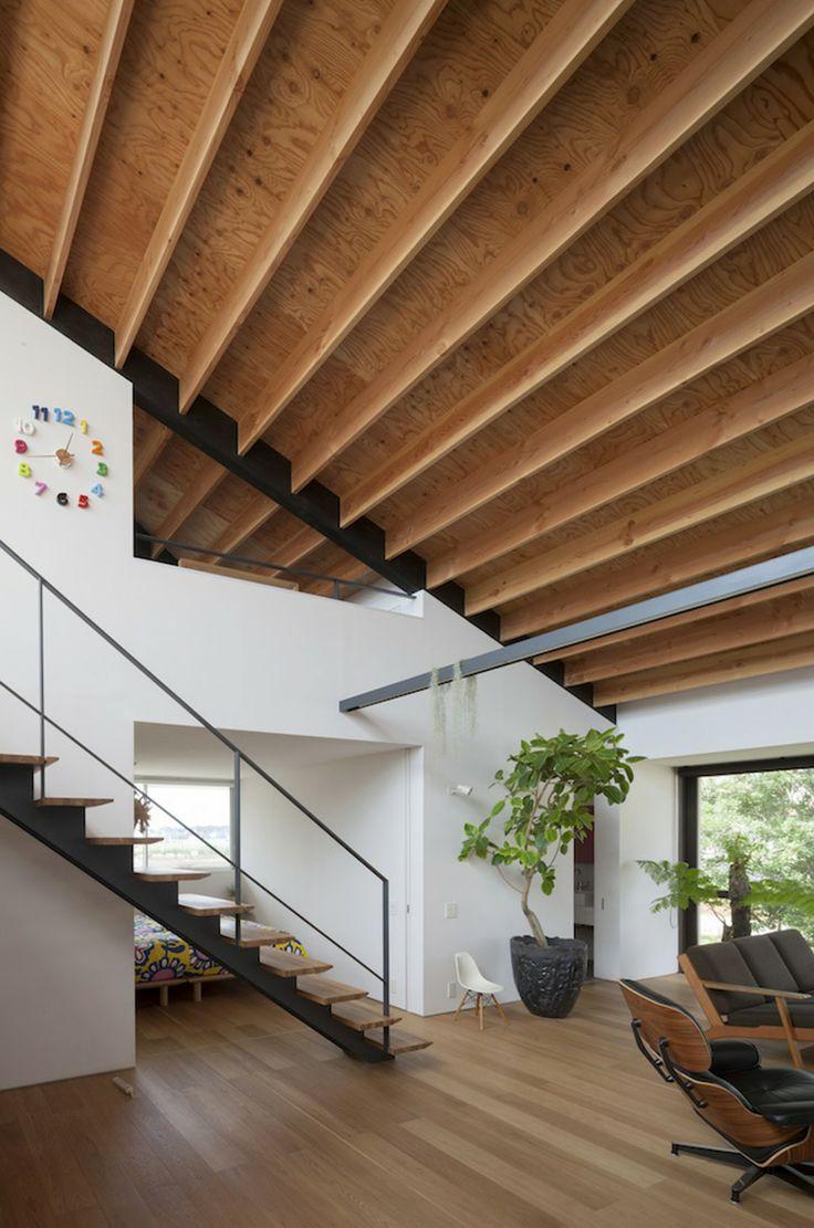 Casa de largo techo a cuatro aguas / Naoi Architecture