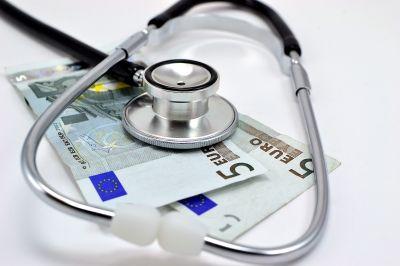 Euro svoju životnú úlohu nesplnilo. Pôjde do predčasného dôchodku? (Týždeň vo financiách očami komentátora)