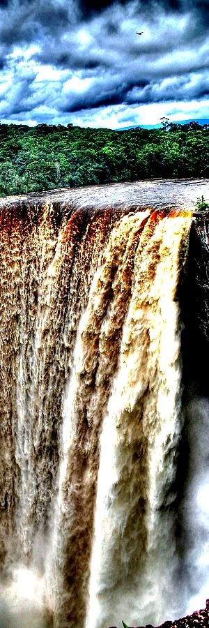 Kaieteur Falls, Guyana Kaieteur Falls is about four times higher than Niagara Falls, on the border between Canada and the United States, and about twice the height of Victoria Falls, on the border of Zambia and Zimbabwe in Africa. It is a single drop waterfall. Upriver from the falls, the Potaro Plateau stretches out to …