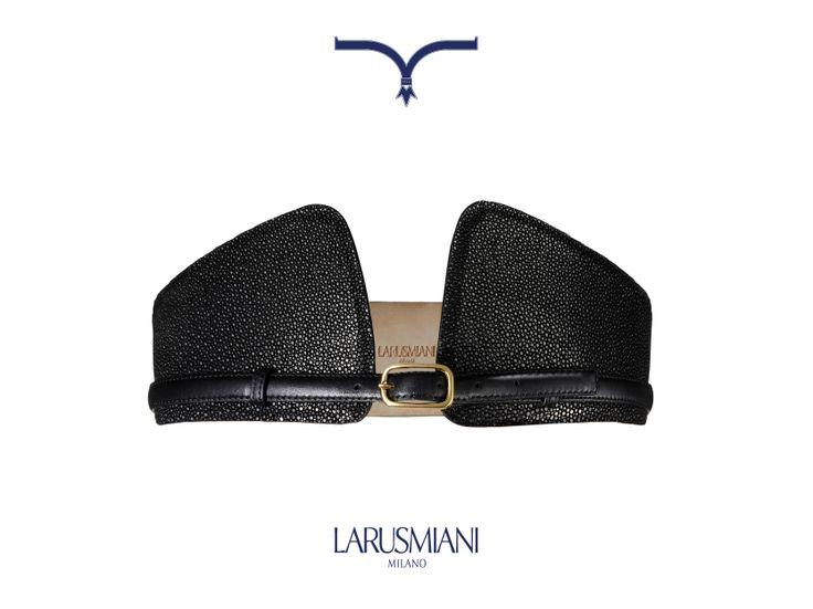 Shagreen wave #belt which recalls the Larusmiani logo  #christmas #wishlist #handmade #luxury www.larusmiani.it