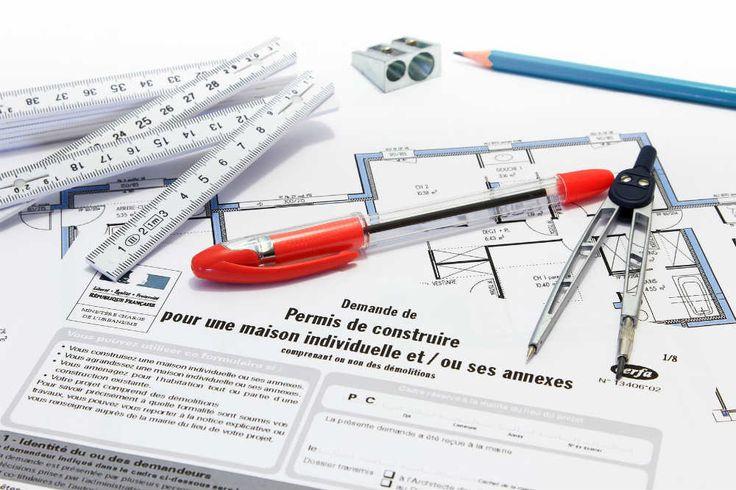 Comment faire une demande de permis de construire ? : http://www.travauxbricolage.fr/renovation-maison/construction-maison/demande-permis-construire/