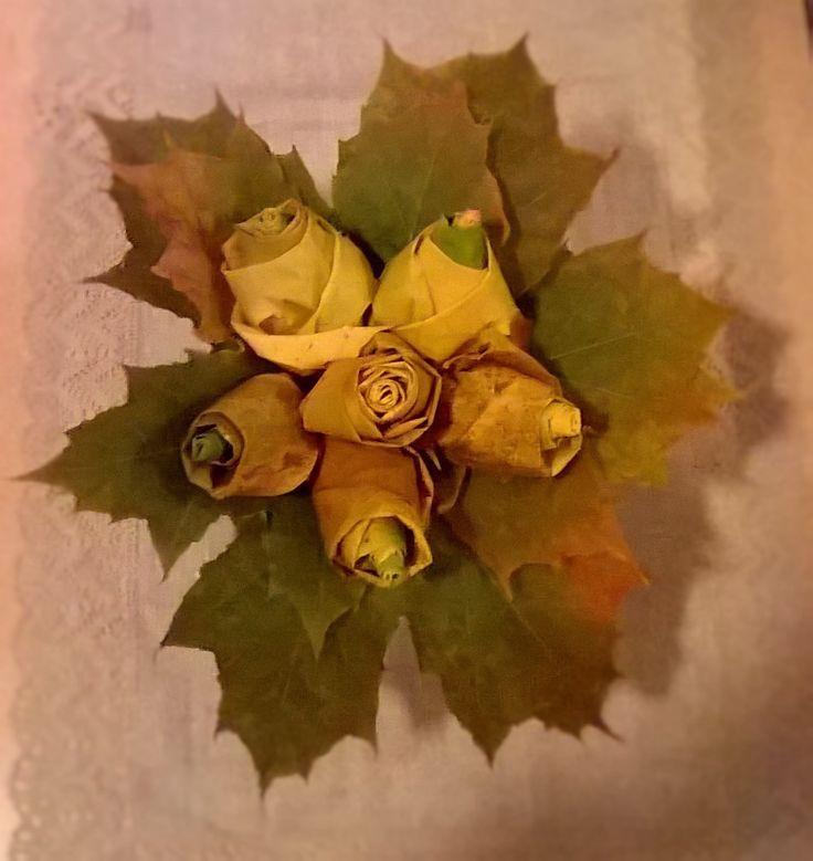 Vaahteranlehti ruusuja