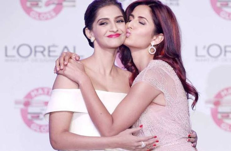 Katrina Kaif Kisses And Hugs Sonam Kapoor