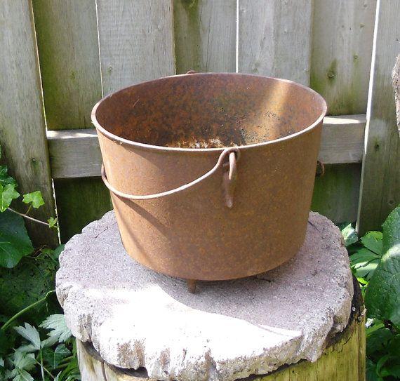 Antique Cast Iron Pot  Vintage Rusty Garden @LookHiLookLow #etsyvintage