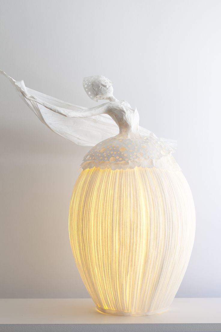 Gorgeous art sculpture—also a paper lantern—paper mâché❣ Sophie Mouton-Perrat & Frédéric Guibrunet - Paris, France • Papier à êtres • Sculptures lumineuses • Bright sculptures
