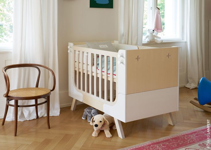 A bed that can grow. Once again, the name says it all: both the mattress and the slatted base can be fixed at different heights; the guardrail, as well as the head and footboard, can easily be removed to turn a baby bed into a children's bed with a guard to prevent the child from falling out. The children's bed can easily be extended from 120 to 160 cm. – ›Famille Garage‹ by Alexander Seifried #kidscollection #kidsfurniture #bed #babybed