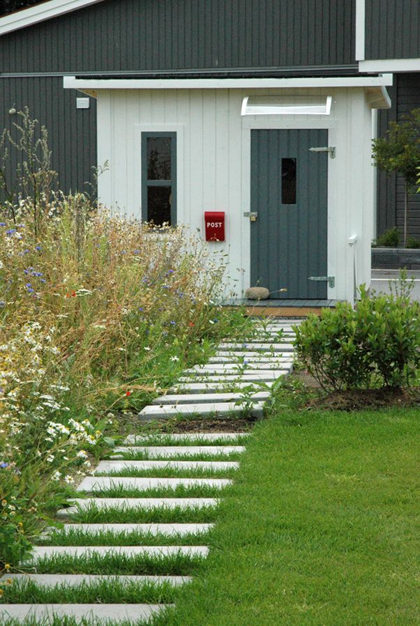 Ekerö garden, modern style, meadow, stepping stones in lawn, flower meadow, stones