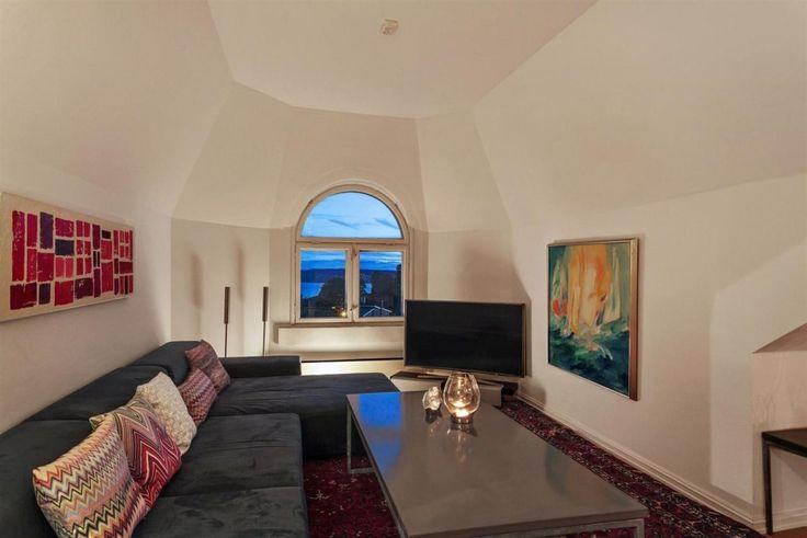 """FINN – NORDSTRAND - """"Villa Flora"""" - Unik loftsleilighet med tre soverom, to bad, stor felles hage og panoramautsikt over Oslofjorden."""